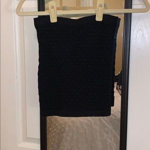 Black textured patterned tube top